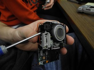 Disassembling Nikon Coolpix 5600 Flash Unit