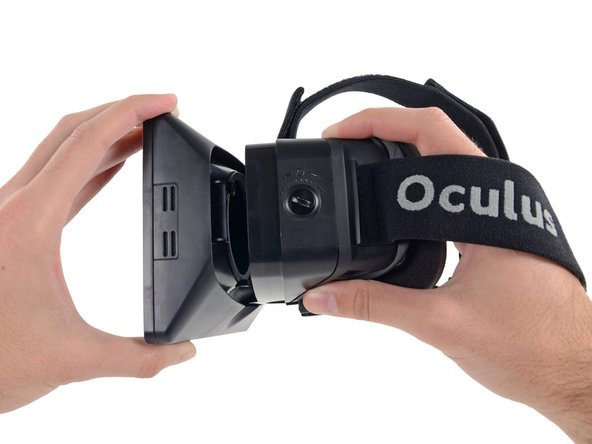 Does the fact that this isn't the final production version of the Rift have anything to do with it being easy to take apart? Perhaps -- only time will tell.