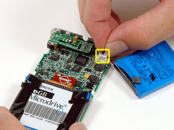 Image 1/1: Carefully disconnect the battery from the logic board. Make sure to pull only on the connector and not on the battery wires.