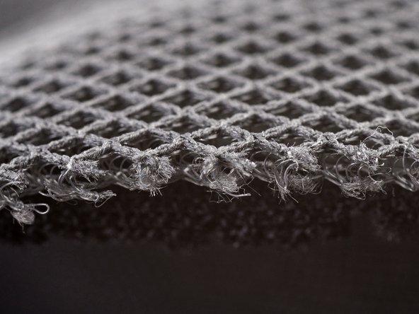 L'avantage de cette découpe forcée: nous pouvons nous faire une idée de la fibre magique utilisée pour fabriquer ce manchon.