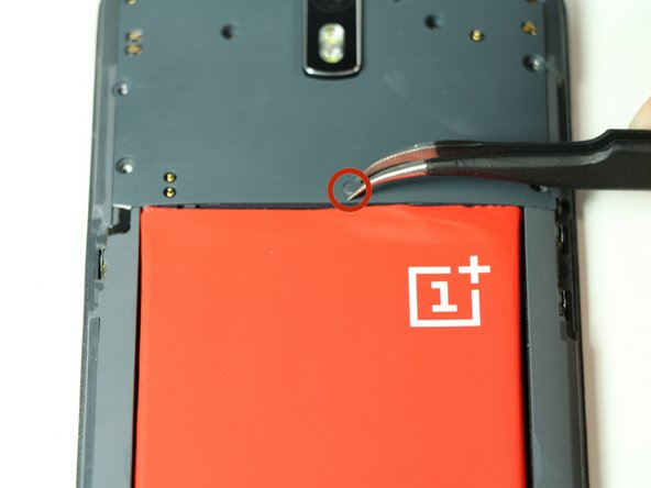 Using our #00 screwdriver, we remove the screws around the outer edge of the upper interior cover of the phone that houses the motherboard and cameras. See info note below!