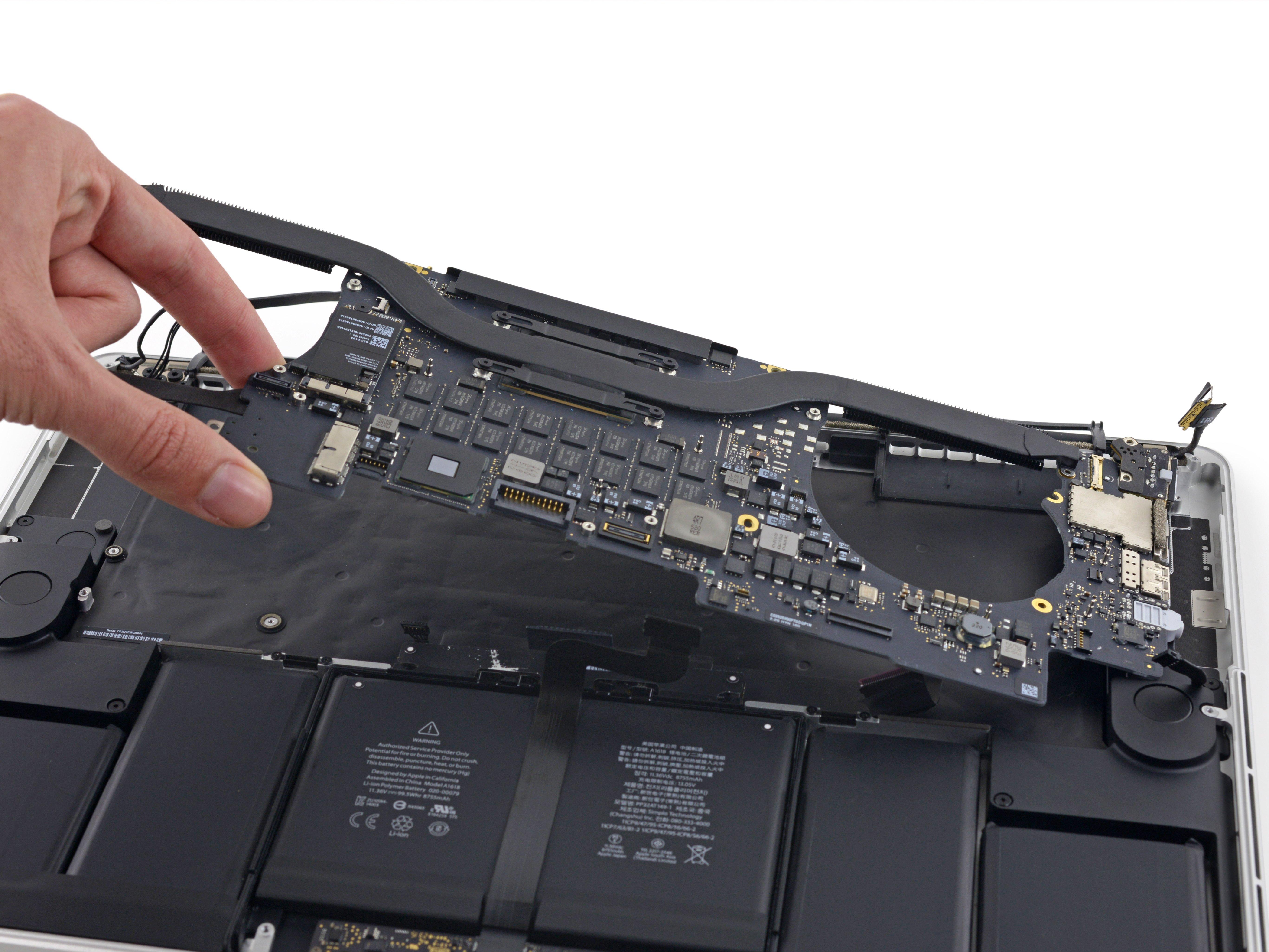 """MacBook Pro 15"""" Retina Display Mid 2015 Logic Board Replacement - iFixit  Repair Guide"""