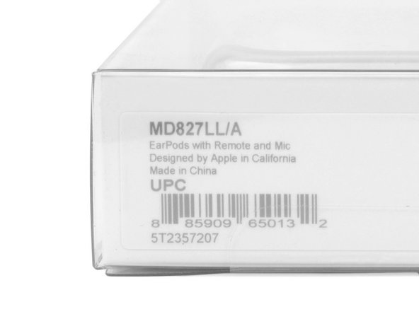 Image 1/1: In case you were wondering, the EarPods have a model number of MD827LL/A.
