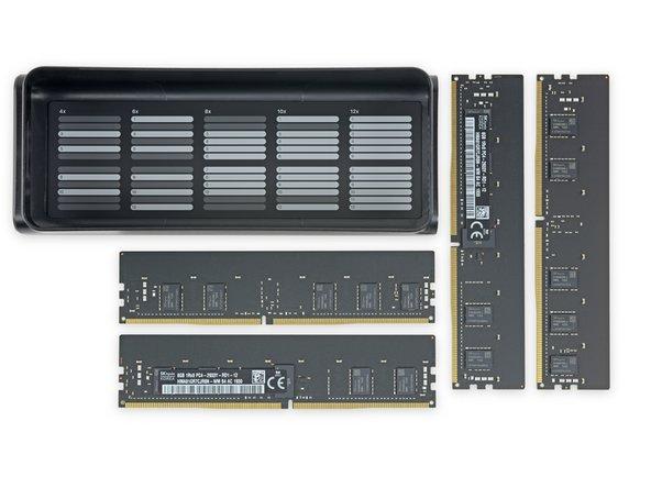 Todavía no se requieren herramientas para nada de esto - si tienes pulgares oponibles, usted puede reemplazar esta RAM (¡incluso tenemos algunas!). Que alguien nos pellizque.