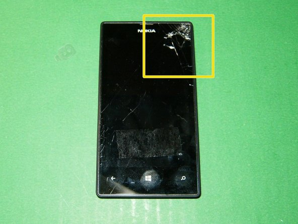 "The damage to the digitizer is clearly visible. Nokia refers to the glass/digitizer combo as the ""touch window"""