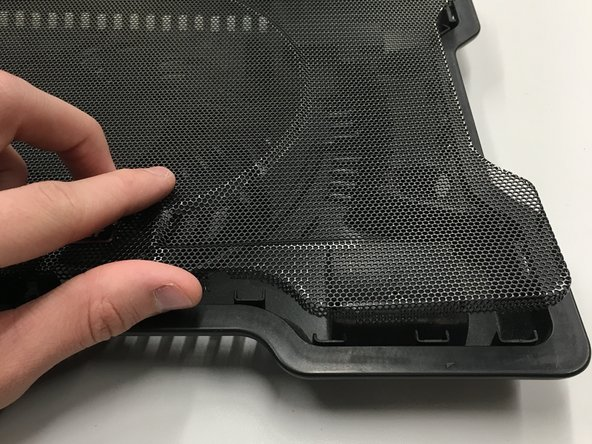 Remove the cover and expose the inside of the Cooler.