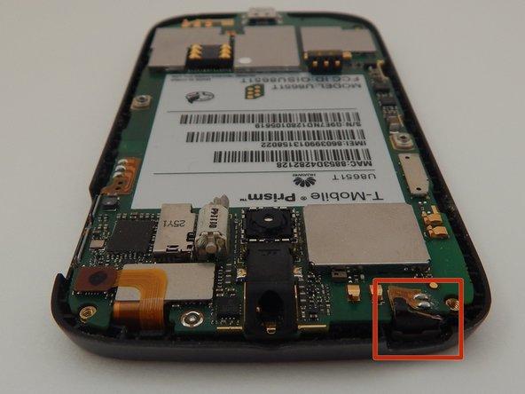 Image 1/3: Place the [https://www.ifixit.com/Tools/Plastic-Opening-Tools/IF145-000 plastic opening tool] under the sensor strip.
