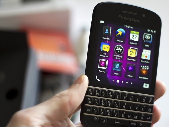 How to replace SIM slot in BlackBerry Q10 - iFixit Repair Guide