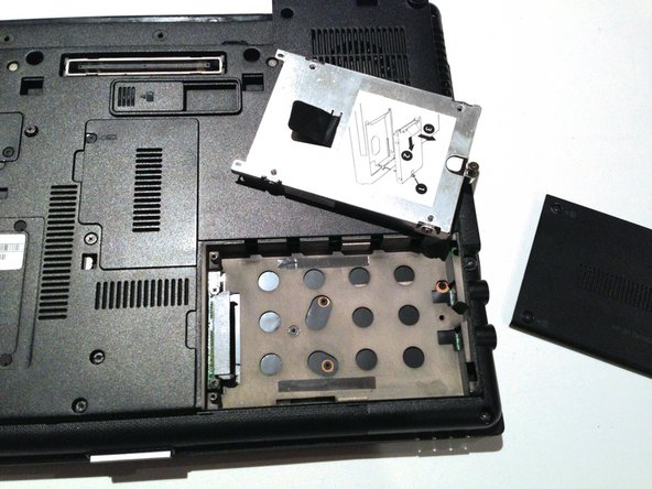 Removing the HP Elitebook 6930p Hard Drive