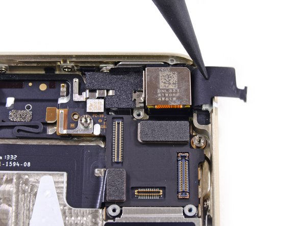 Image 1/3: The back of the iSight camera is labeled DNL333 41WGRF 4W61W.