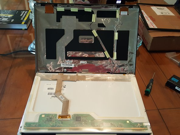 Toshiba Satellite P105-S6024 LCD Display Replacement