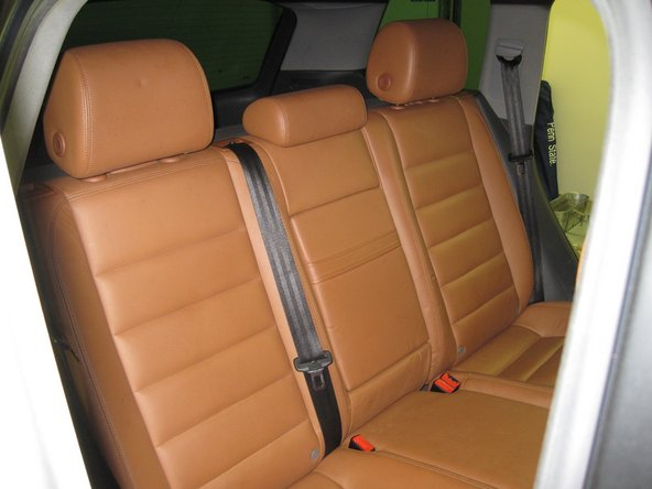 Image 2/2: Install the head rests