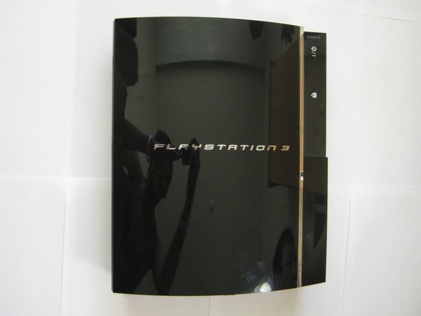 Image 1/3: There she is, one of the two original PS3 models available at launch (60GB).