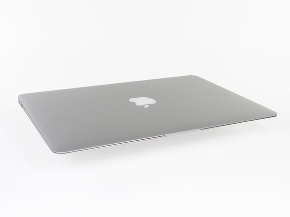 So, what did Apple manage to pack into its ultra-slim ultrabook this time?