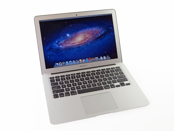 Image 1/2: So, what did Apple manage to pack into its ultra-slim ultrabook this time?