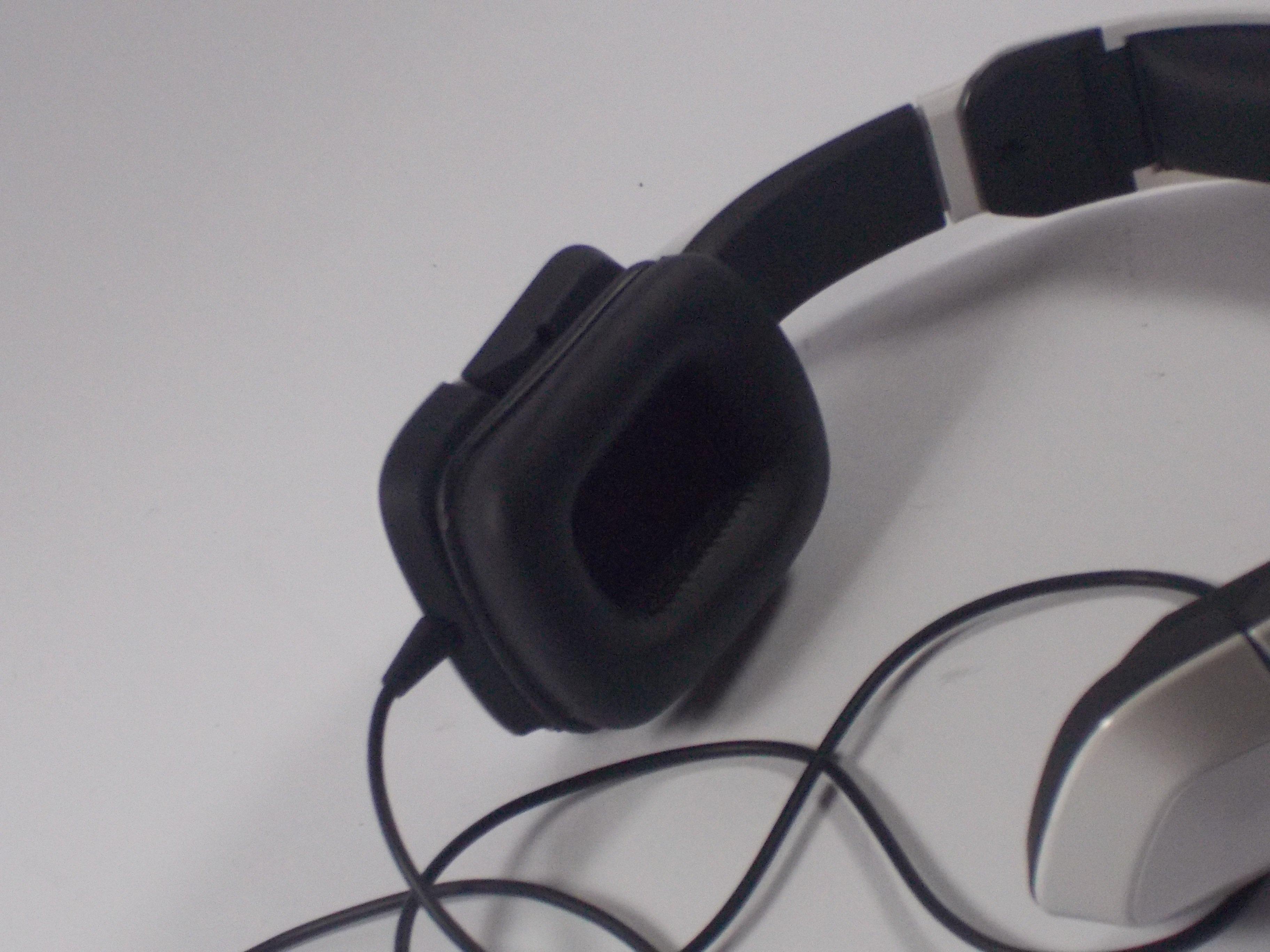 Repairing Tritton Kunai Speaker Buzzing Noise - iFixit Repair Guide