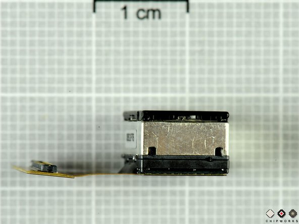 Image 2/3: For all its pixels, the camera only eats up about .5 cm^^3^^ of space inside the Kin.