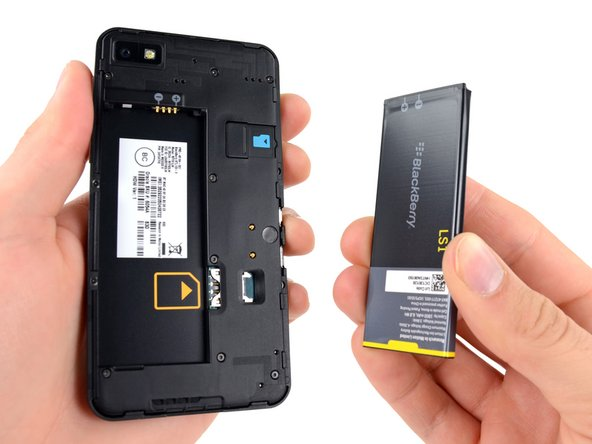 The 3.8 V, 1800 mAh Lithium-ion battery allows for up to 10 hours of talk time on 3G with up to 13 days of standby time.
