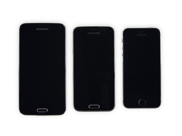 And now it's time for an epic comparison compendium: lined up for their mugshots are the Galaxy S5, Galaxy S5 Mini, and iPhone 5s.