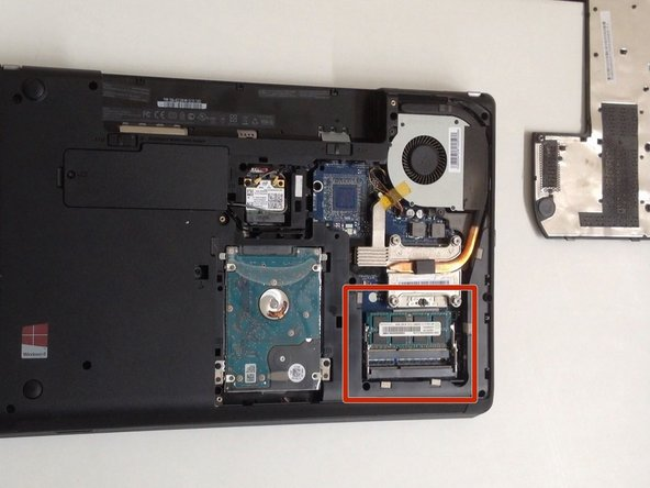 Image 1/3: For '''ThinkPad Edge E530''' you can install 2x modules DDR3 SODIMM up to 16GB.