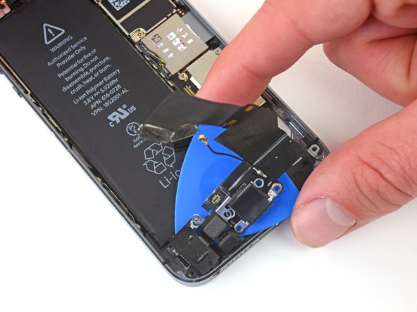 Be sure to separate all parts of the assembly from the rear case, including the Lightning connector, headphone jack and home button cable socket.