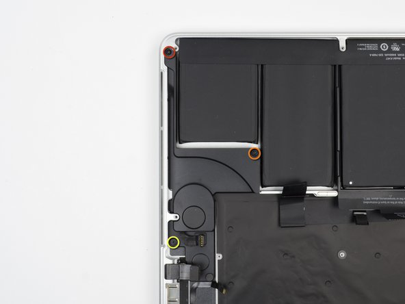 Image 1/2: One 5.6 mm T5 Torx screw