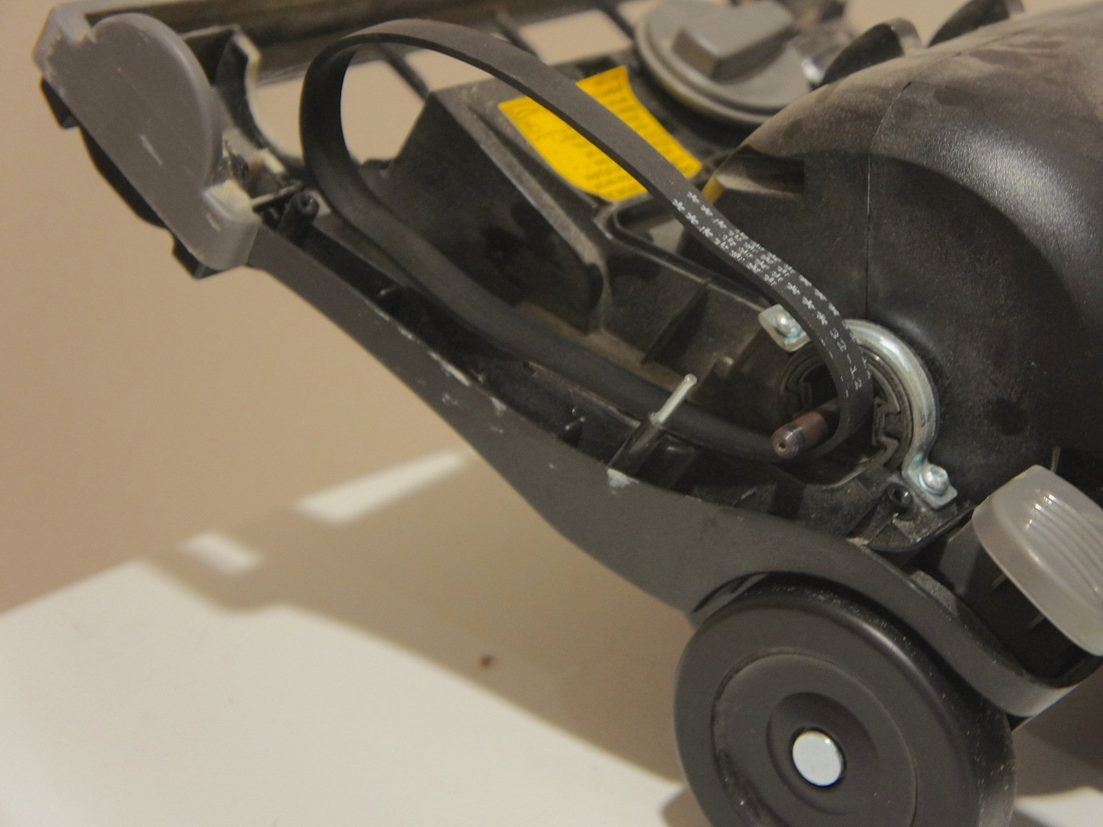Awesome Eureka Airspeed Bagless Zuum Vacuum Belt Replacement Ifixit Repair Wiring Digital Resources Llinedefiancerspsorg