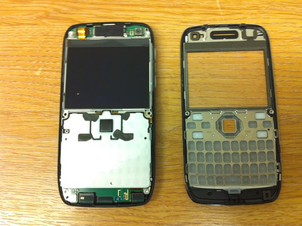 Then I ran the opening device carefully round the top edges of the phone, there was a clip at the very top.
