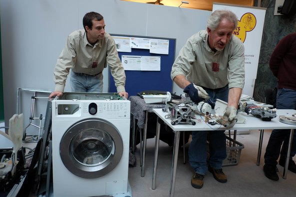 Appliance repair demonstration at the European Parliament