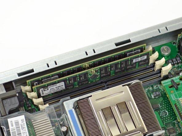 Combien de barrettes de RAM sont nécessaires pour créer les crêtes élevées qui montent au nord des collines de l'Hillsbrad ? Il semble que le nombre magique soit six.