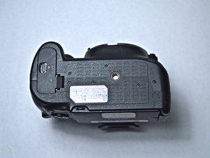 Nikon D5200 Battery Removal