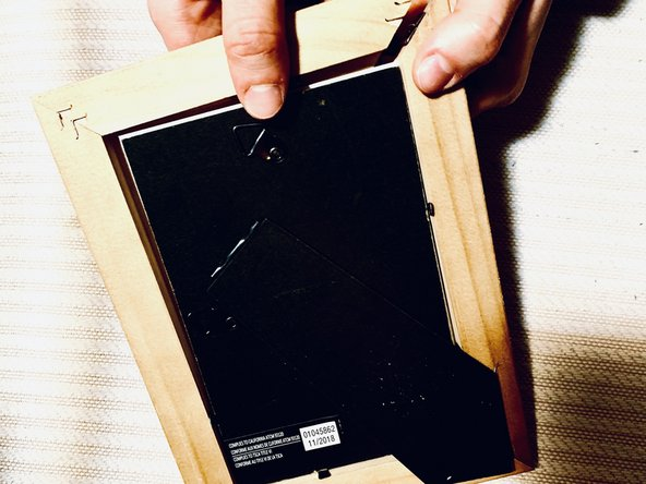 How to Repair a Wooden Picture Frame
