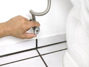 Couper l'alimentation en eau d'un WC