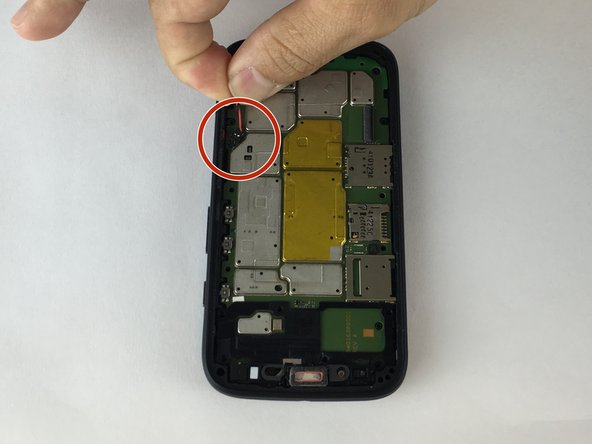 Gently lift up the battery cable connector, it should come out very easy.