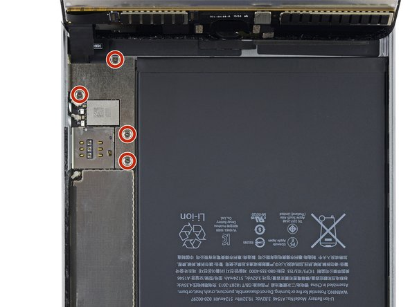 To avoid stressing any cables, hold the display assembly perpendicular to the body of the iPad until it is disconnected.