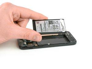 Sostituzione batteria Samsung Galaxy A3 (2017)