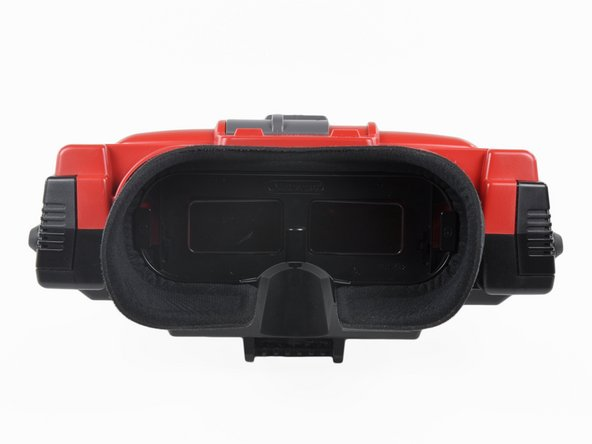 Image 1/3: The Neoprene eyepiece completely encompassed the player's field of vision. This not only isolated the player from the rest of the world, but prevented anyone else from seeing what the player was doing.