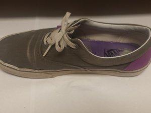 Repariere das Loch in deiner Schuhsohle