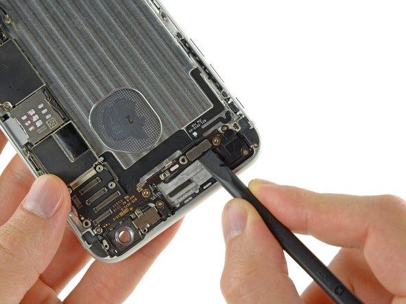 Les deux connecteurs peuvent être couplés par une seule languette adhésive. Si tel est le cas, ils peuvent se détacher ensemble.