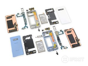 Samsung Galaxy S10 and S10e Teardown