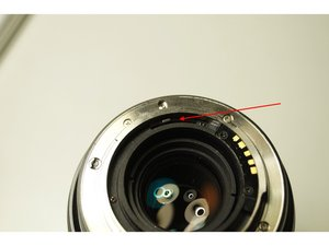Repairing a stucked Aperture on Vivitar Series 1 28-300mm Camera Lens