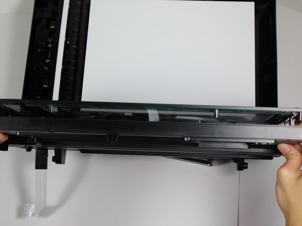 Pieces from the inside of the scanner glass may fall out.