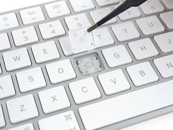 Image 1/1: Spoiler alert: no butterfly keys in this net, just Apple's fancy new scissor mechanism.