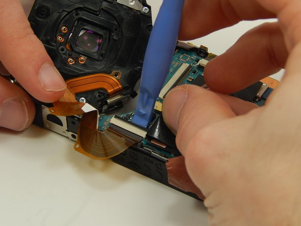 Image 1/3: Remove the wire sheet from the connection port.