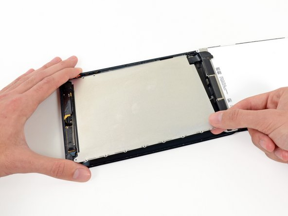 Image 1/1: Remove the LCD shield plate from the iPad.