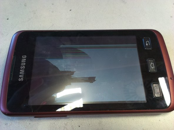Here is the Samsung Galaxy Xcover, with the LCD broken, that will be replaced.