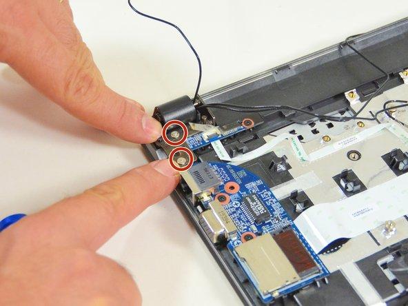 Image 1/3: Stellen Sie nun den Laptop,wie im 2. Bild dieses Schrittes dargestell,  auf.