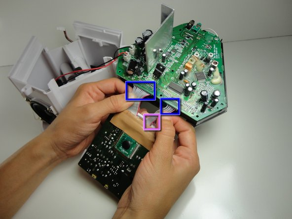 Check that the single input plug from the logic board  to the screen (reverse side) is completely pushed in by pressing it firmly into the socket.
