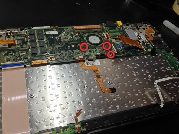 Remove these screws to make easy the removal of the ssd