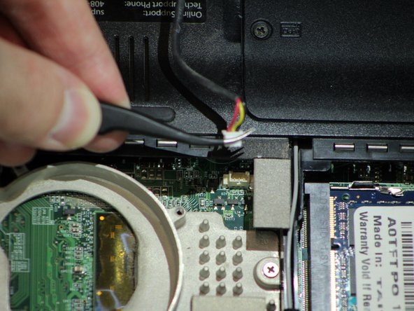 Image 2/3: Disconnect the cable with tweezers.